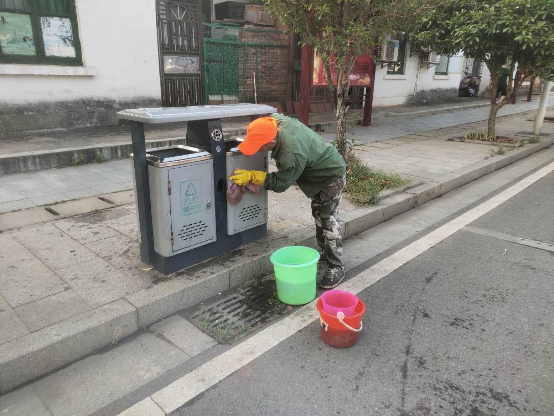 5.26日新华社区垃圾清理3.jpg