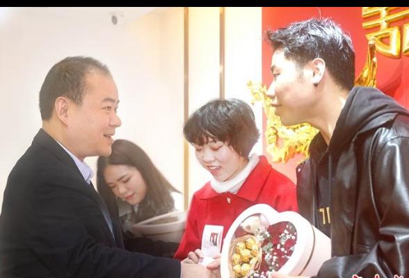 """朱健到珠晖区婚姻登记中心调研,点赞民政人""""为爱加班"""""""