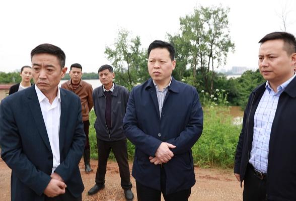 魏中发督察项目建设及防汛应急工作
