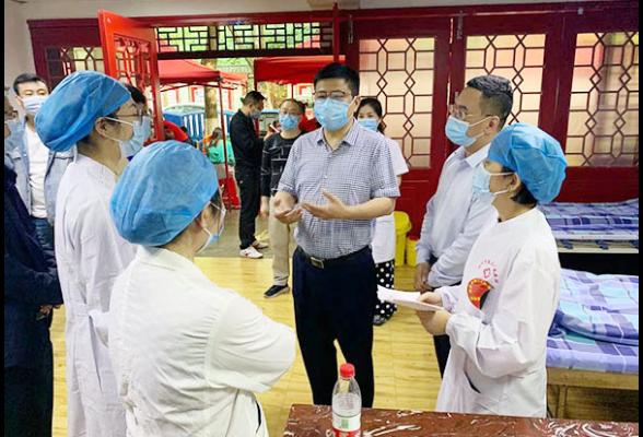 杨洪峰到我区视察疫苗接种情况