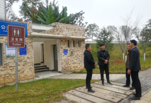 区政协第二民主监督小组开展城管执法局环卫监督活动