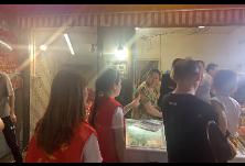和平小区社区开展夜间市容环境专项整治助力创卫工作