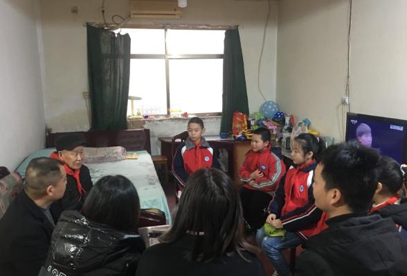 学习革命传统,弘扬雷锋精神  玄碧塘社区积极开展3.5日学雷锋主题实践活动
