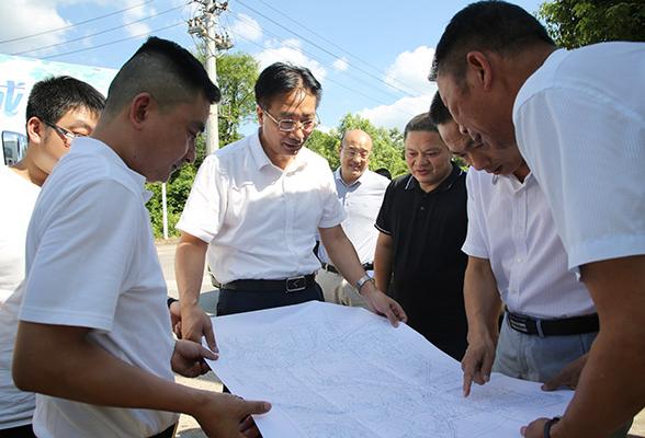 刘桢干调研我区部分重点项目建设