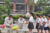 国网新晃县供电公司在思源学校开展用电安全知识宣传活动