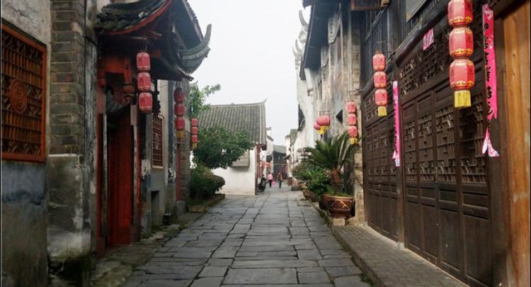 写生遇上黔阳古城,每一处都是风景
