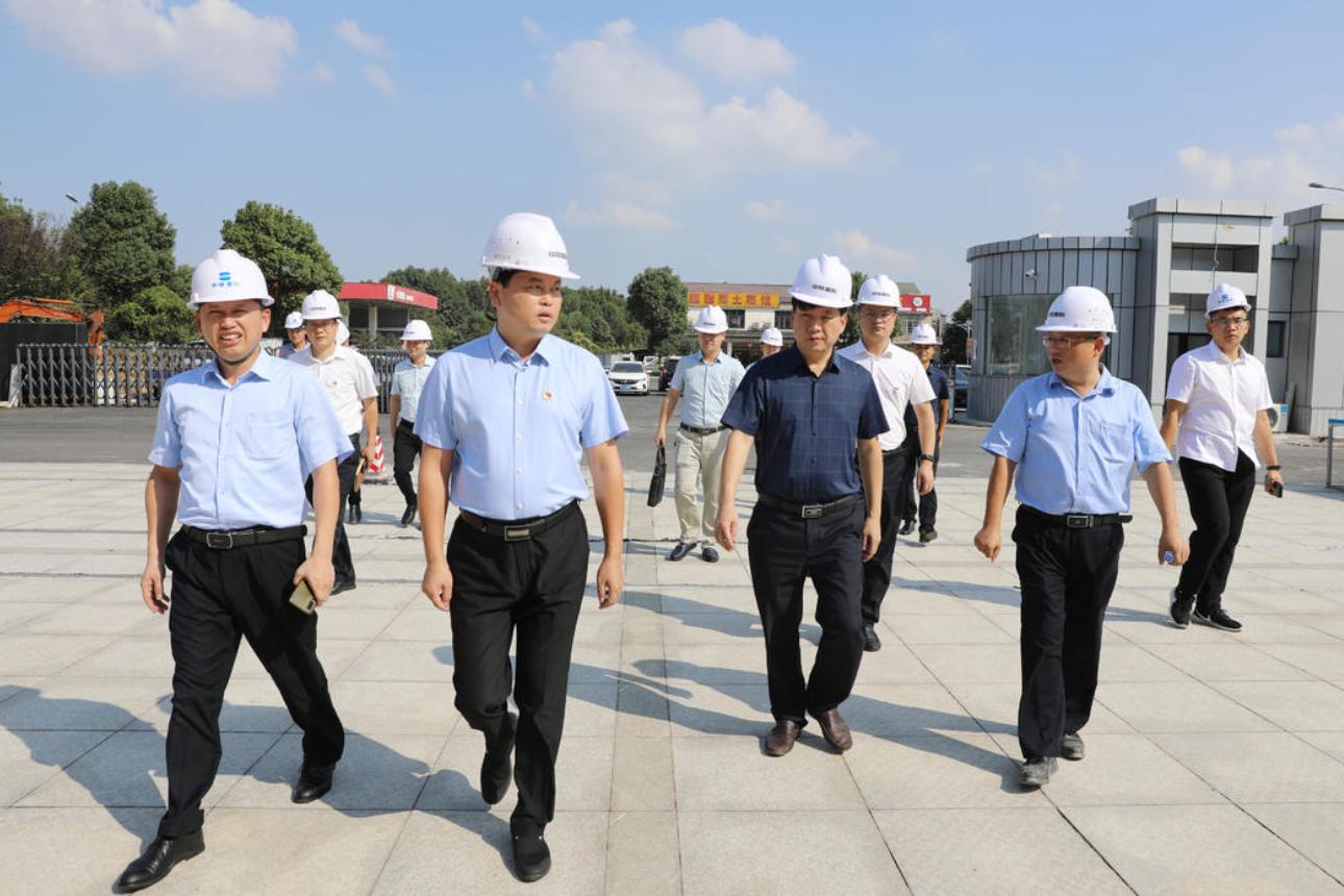 杨智勇调度中联重科智能制造产业园工作