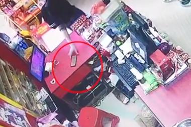 警惕超市盗窃!仅需几秒 你的手机可能不翼而飞…