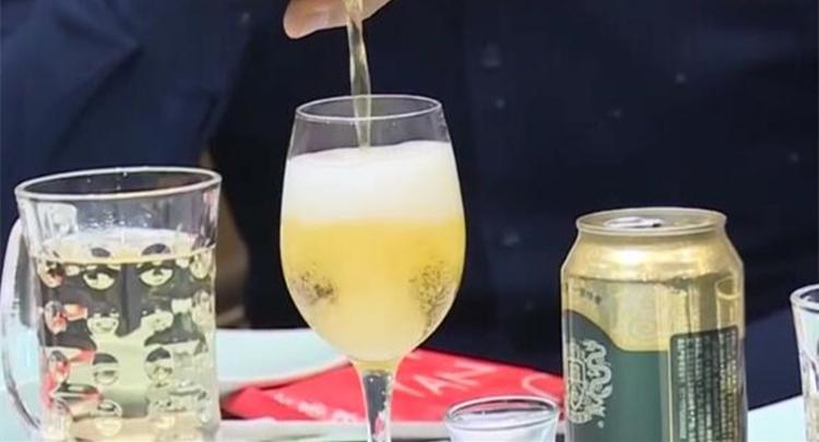 适度大量饮水可促进酒精代谢物排出
