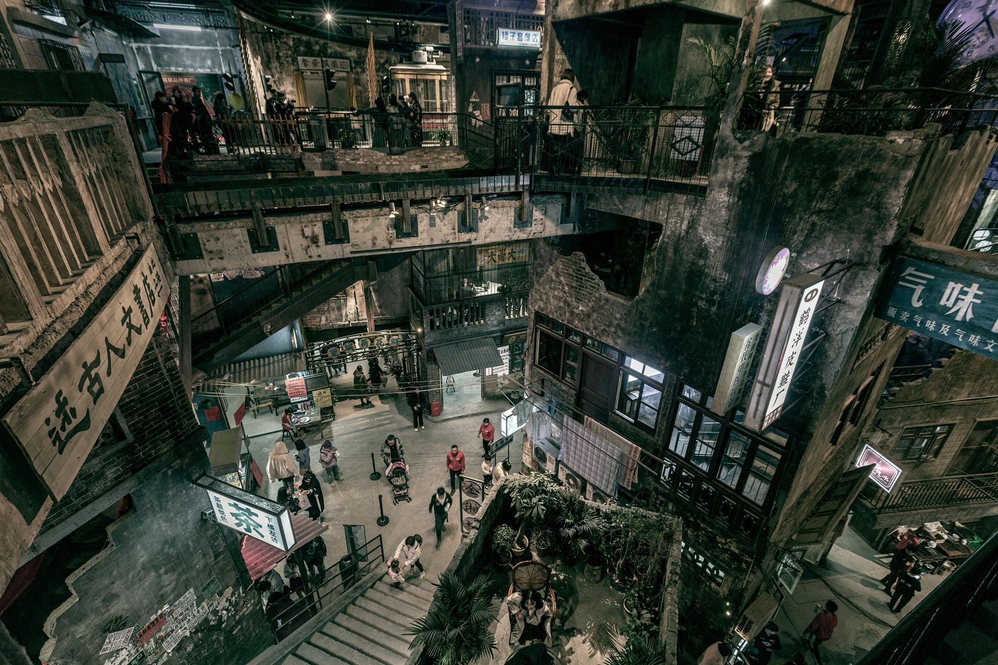 【29号作品:长沙记忆】 走进身处繁华闹市中的文和友,瞬间让你完成穿越,找回那个年代的长沙记忆。