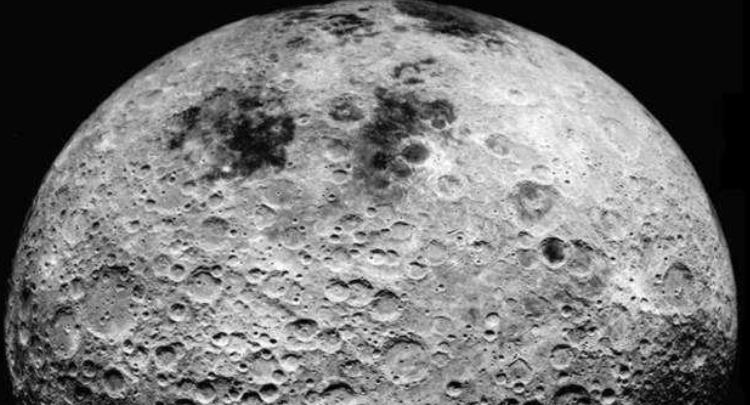 月球表面发现水分子 美国宇航局在月球南半球有新发现