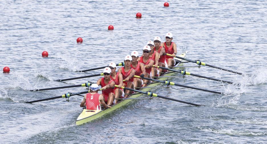 赛艇女子八人单桨有舵手决赛 王宇微获铜牌