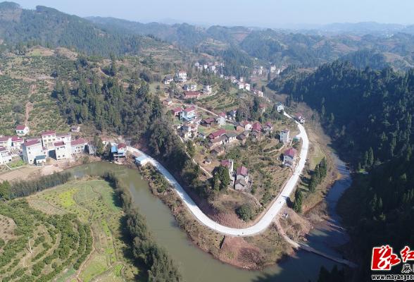 麻阳:高枣乡村旅游公路一期工程建设完成四分之三