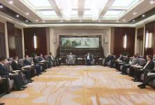 湖南与吉利集团签署战略合作协议 杜家毫、许达哲会见李书福并见证签约