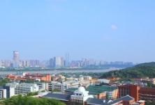湖南:优先稳就业保民生