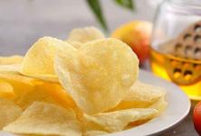 薯片还能吃吗?吃东西会感染新冠吗?疾控专家冯子健详解
