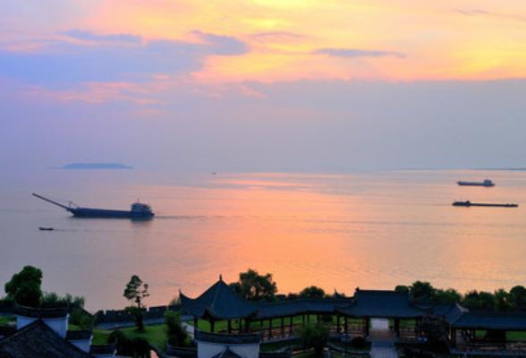 湖南发布会·生态文明建设② 2020年湖南工业废水排放量较1996年下降五分之四
