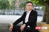 """抗癌校长何广东:""""为热爱的事而活"""""""
