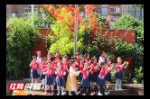 亲子表演穿越古今 幼儿园师生共迎端午节