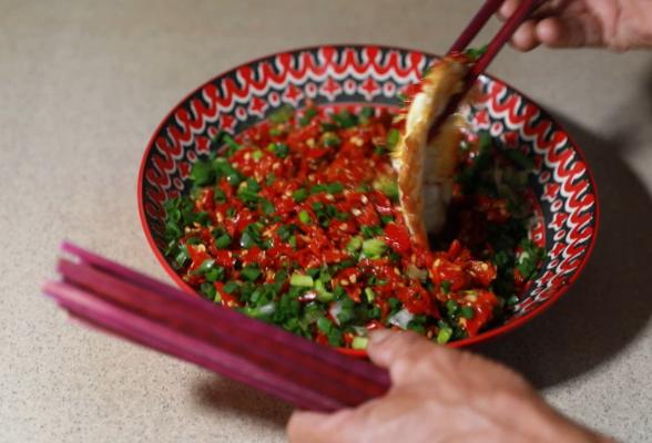 味道郴州(zhou)|來嘗(chang)一碗酸辣下飯的白水酸辣椒吧