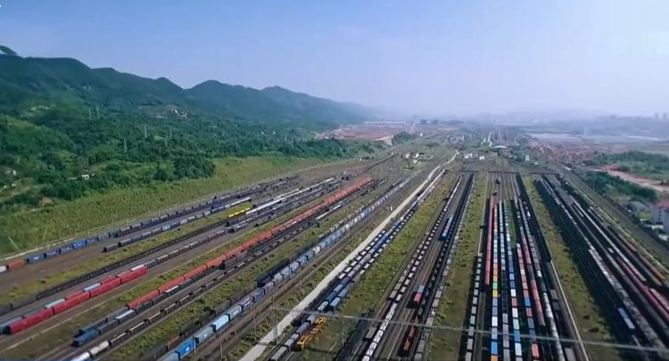 """全国铁路今起调图 客车""""一日一图"""""""