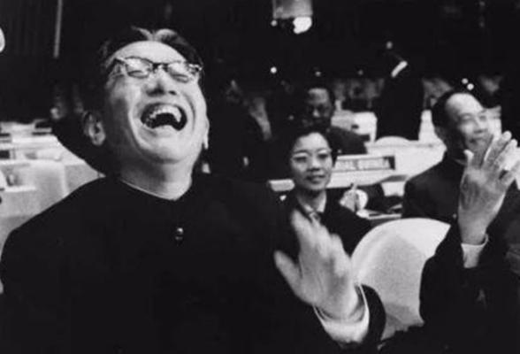 珍贵影像   新中国恢复联合国合法席位50周年 掌声雷动喜悦延至今朝