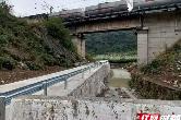 """慈利县零阳镇:打通交通问题最后""""一公里""""助力脱贫攻坚"""