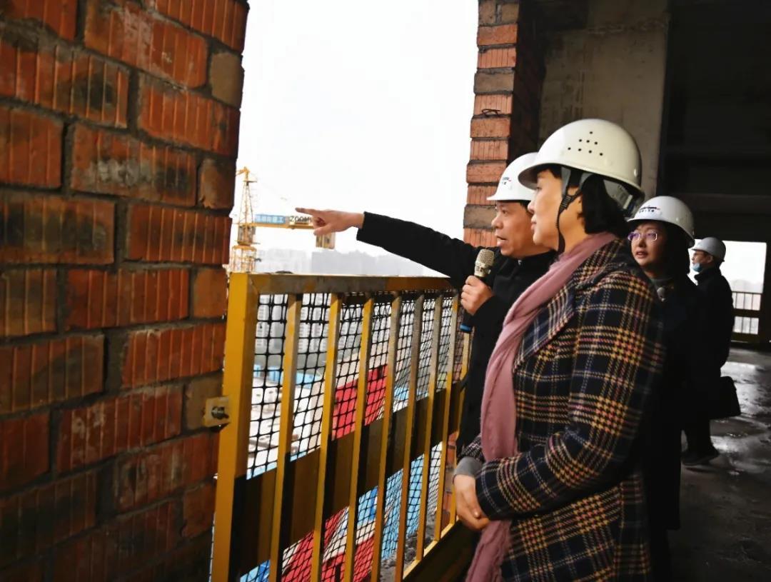 11月24日,省委常委、省委统战部部长黄兰香在长沙市调研归国留学人员创新创业工作。