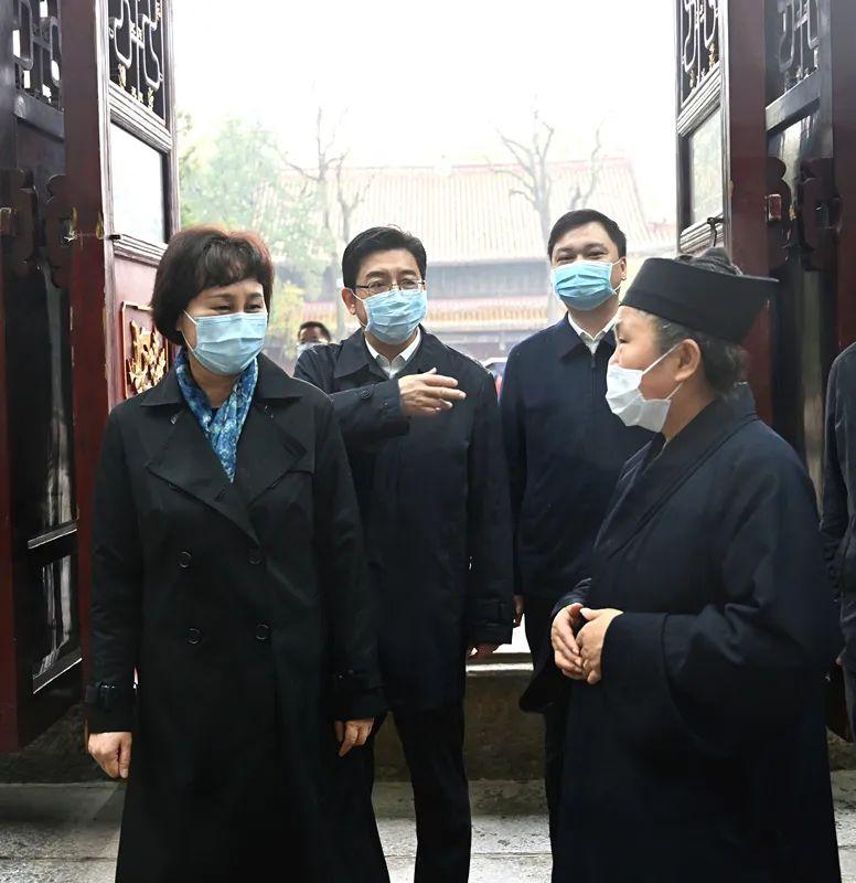 黄兰香在衡阳调研时强调 统筹抓好疫情防控工作,切实维护宗教领域和谐稳定