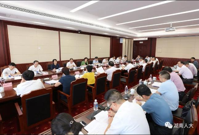 省人大常委会召开先进制造业促进条例立法调研座谈会