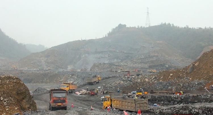 组图丨总投资12.6亿元 张吉怀高铁吉首东站建设稳步推进中