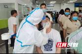 长沙市第三医院赴长沙轨道交通集团开展核酸检测采样工作