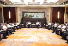 杜家毫许达哲与中石化董事长张玉卓座谈:推动双方合作之路越走越宽广