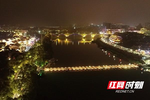 浮桥、东风大桥。.jpg