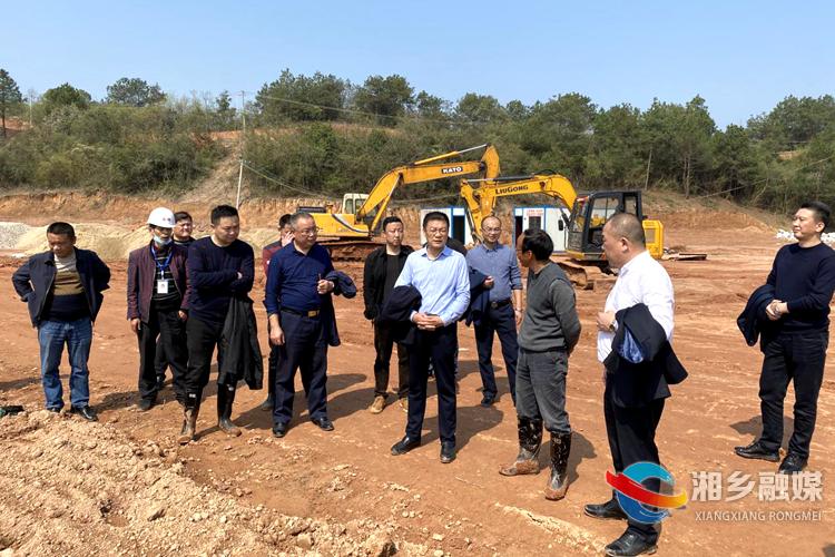 周俊文:抢季节不误农时 加快推进农业项目建设