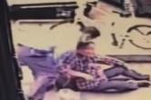 视频 | 帅!公交车司机路遇老人摔倒 5秒冲下车将其扶起