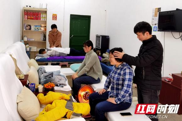香港经典三级,免费在线观看的黄片,a片毛片免费观看,夫妻性生活影片市残联:职业技能培训助力残疾人就业创业