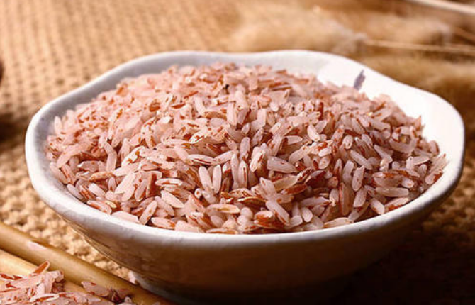 Dormant Red Rice Bounces Back in Hunan Mountains