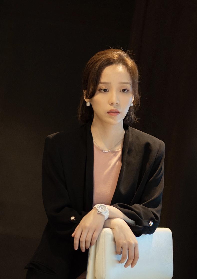 李艺饰陈蓉.jpg