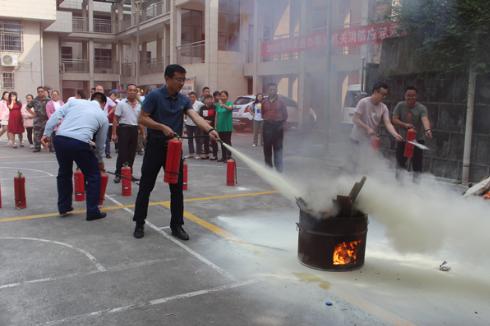 吉凤街道开展消防安全应急演练