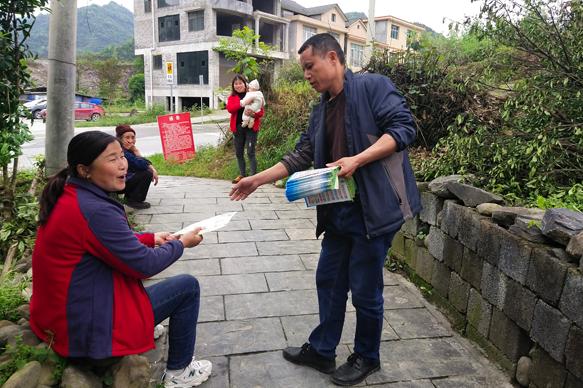 吉凤街道积极开展新冠疫苗接种宣传服务活动
