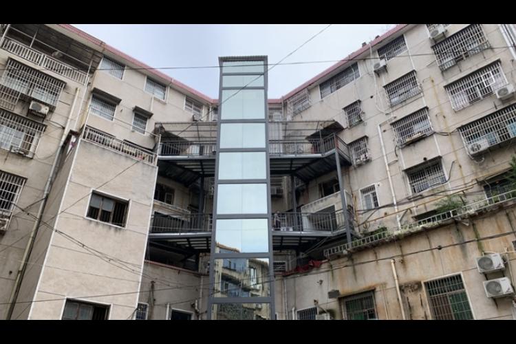 """湘乡:老旧小区有""""新变化"""" 电梯""""加""""出幸福生活"""
