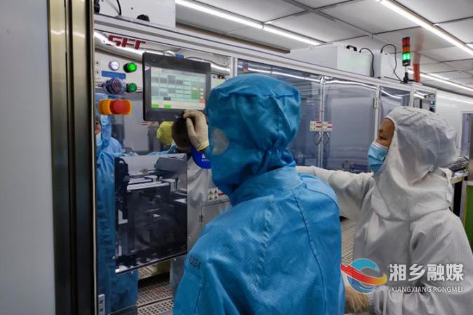 中臣科技试投产 日产液晶显示屏4000组