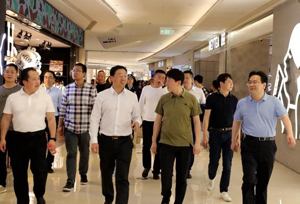 周志军带队督查五一节前安全生产及城市管理工作