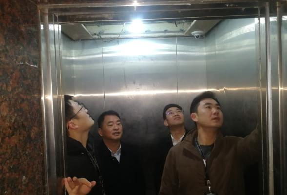 洪孟春带队检查特种设备安全生产工作
