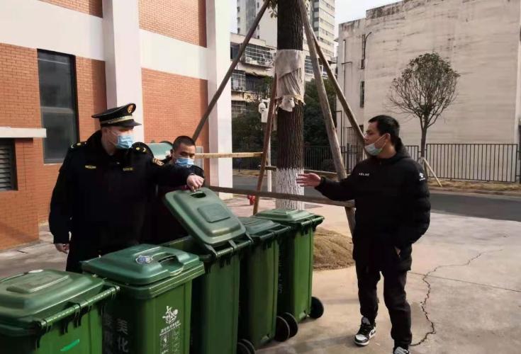 环保同行 桶边指导员教你正确垃圾分类