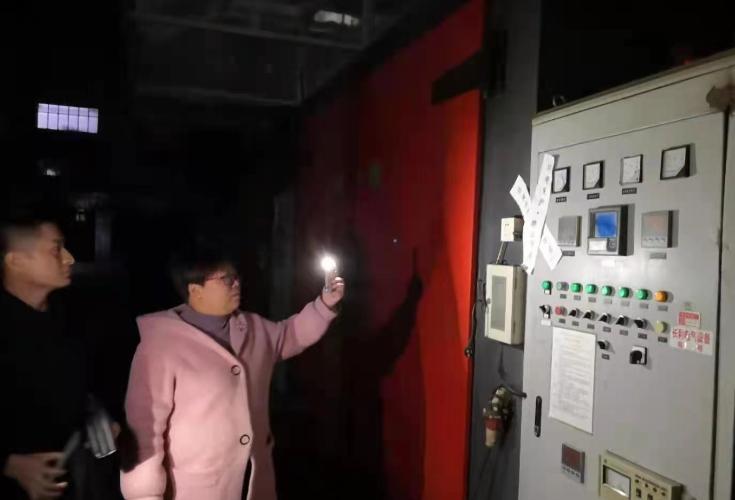 """""""工业废气,影响中海中海城熙岸小区居民""""环保铁军突击夜查!"""