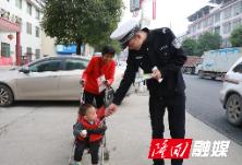 隆回交警广泛开展交通安全宣传活动
