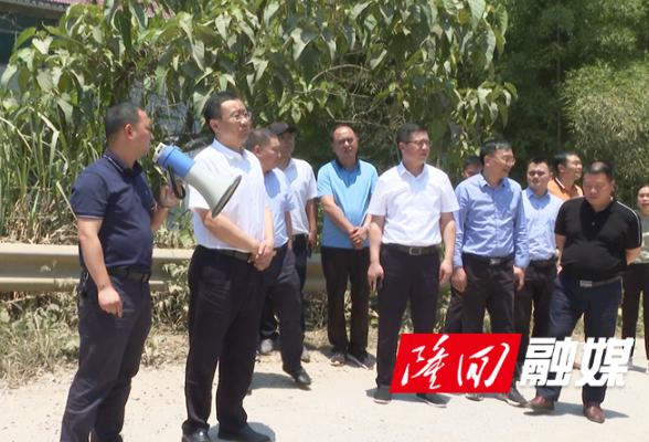 刘军、杨韶辉调度全县交通重点项目建设工作