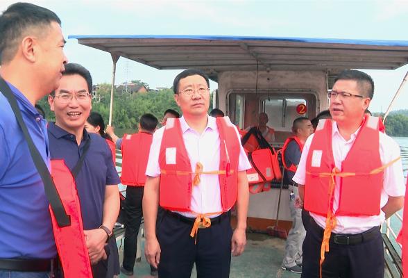 刘军杨韶辉率队巡河并调度百里花溪项目